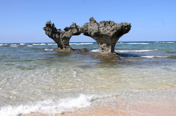 ティーヌ浜のハート岩