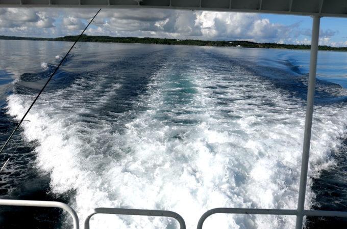船がつくる美しい波のかたち
