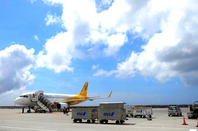 那覇空港のLCCジェット機