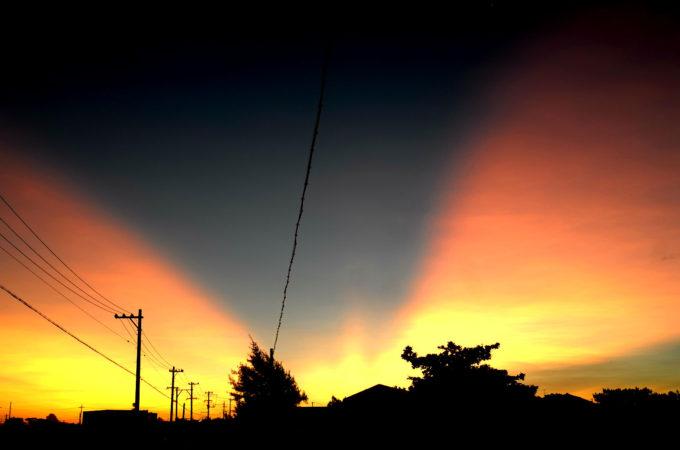 「天割れ」の光景