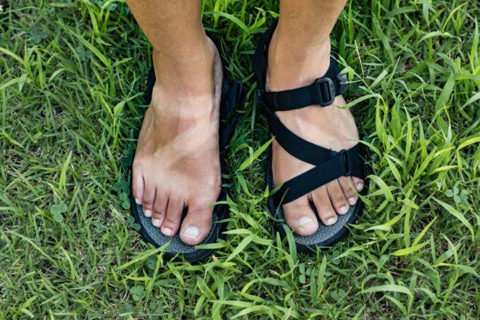 サンダルを履いていてできた足の日焼け