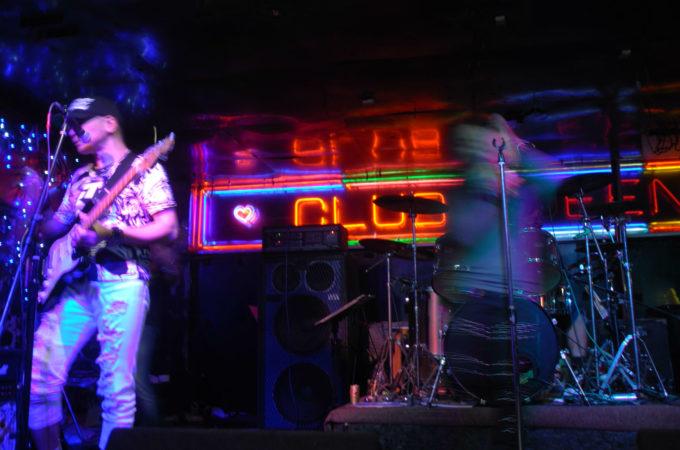 ライブハウス「CLUB QUEEN」