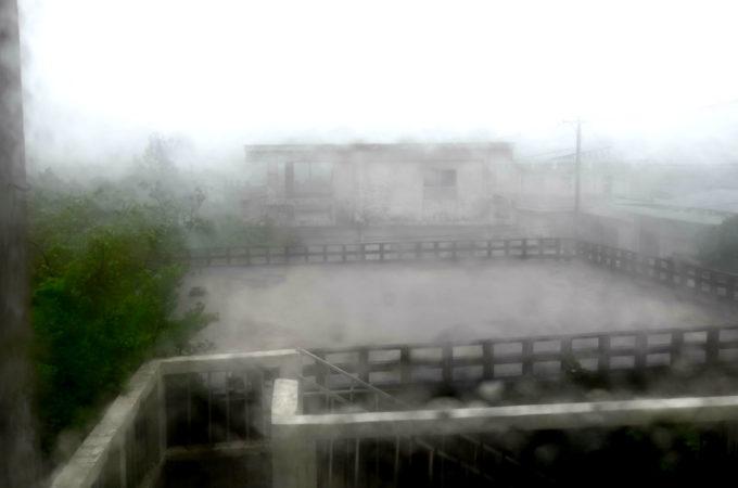 台風の暴風雨の様子