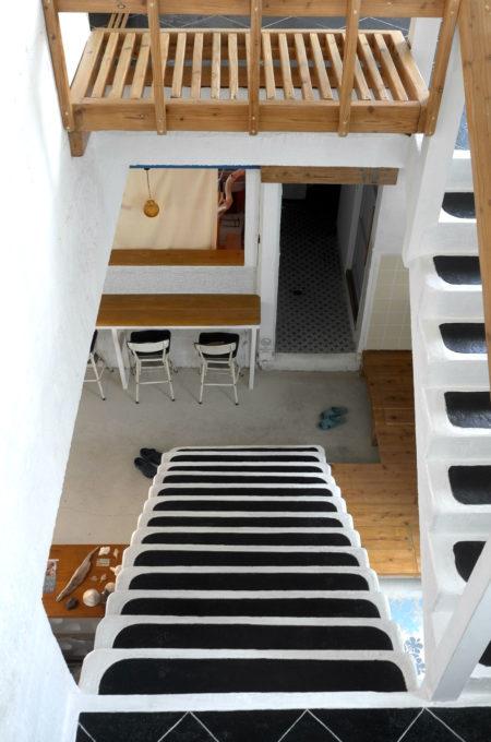 宮古島/ホステル・ゲッカの階段