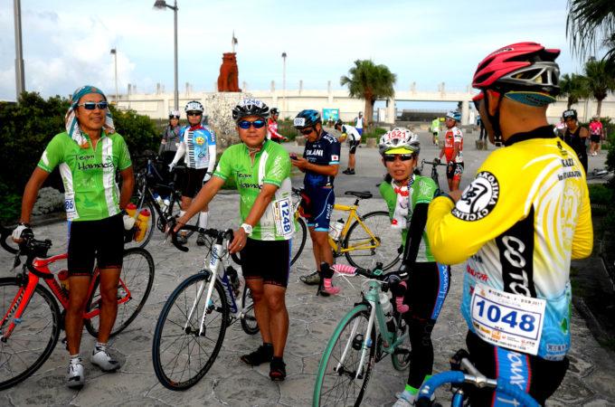 ゲストハウスの自転車チーム