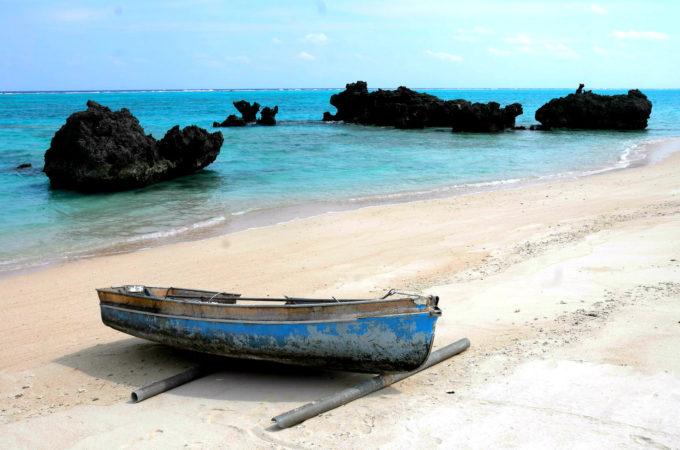 ボートがある浜辺