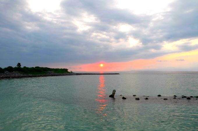 鳩間港の日の出