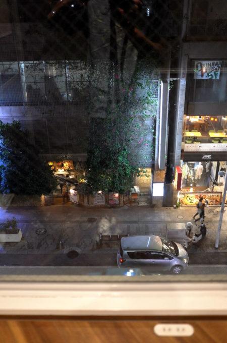 客室フロアラウンジから見た国際通りの夜景