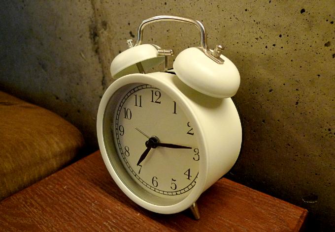 クラシカルでかわいい目覚まし時計